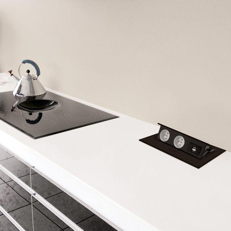 Prise de cuisine - DERBY Bloc rétractable 2 PRISES + 2 USB noir